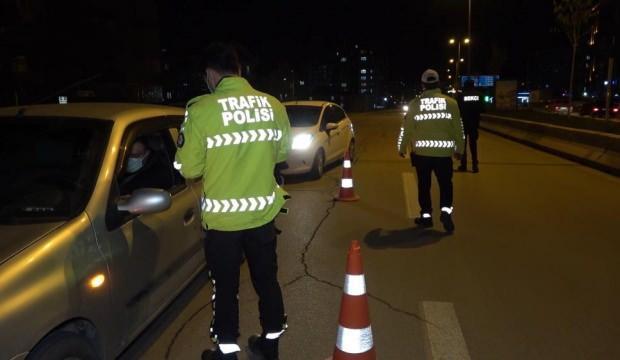 Kırıkkale'de gece yarısı HES kodu denetimi: Araçlar tek tek durduruldu