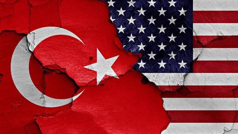 ABD ile Türkiye arasında siyasi, askeri ve ekonomi alanlarında ciddi krizler var.