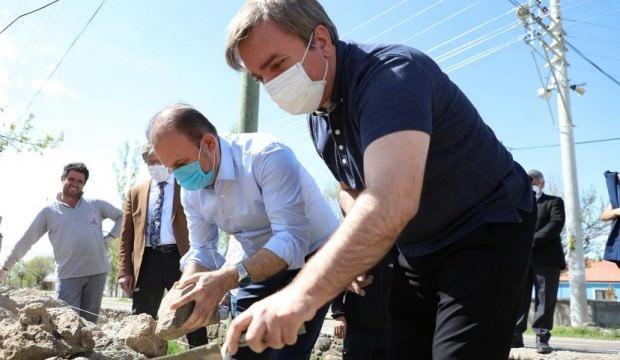 Aksaray Valisi İşçi Bayramında duvar ustası oldu