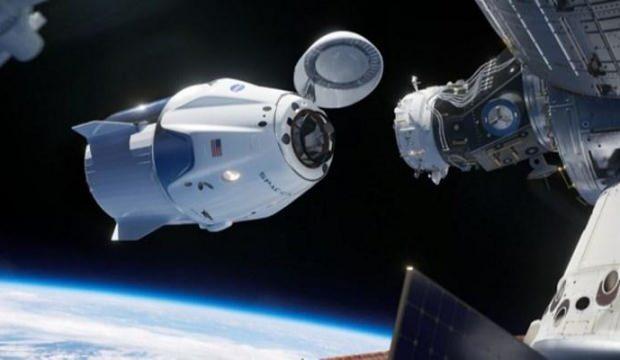 Astronotların dönüşü hava koşulları nedeniyle ertelendi