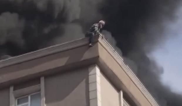 Bağcılar'da yangın: Mahsur kalan kişi 6. kattan atladı - GÜNCEL Haberleri
