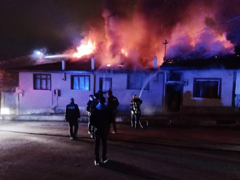 4 houses were destroyed in the Kastamonu fire, 2 houses became unusable