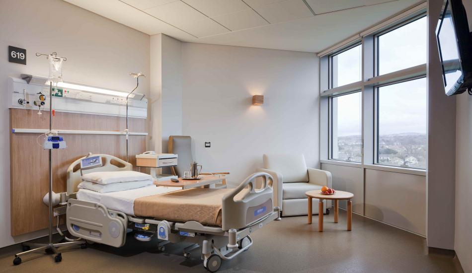 Sokağa çıkma yasağında hastaneye nasıl gidilir? Tam kapanmada hastaneler açık mı