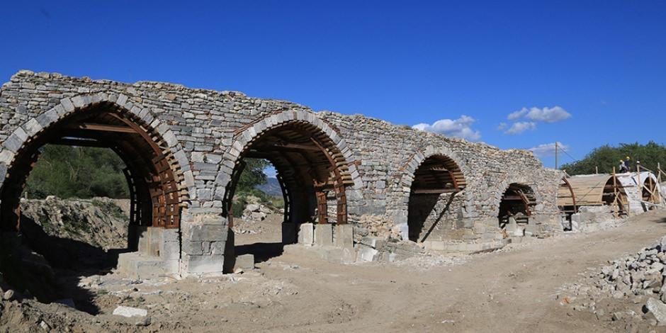 11 gözlü tarihi köprü turizme kazandırılacak