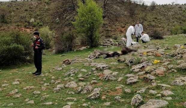 Baba ve 17 yaşındaki oğlu arazide öldürüldü!