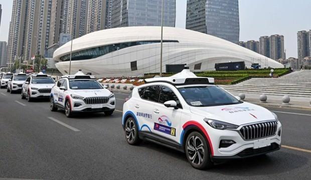 Çin'de sürücüsüz taksi dönemi başladı