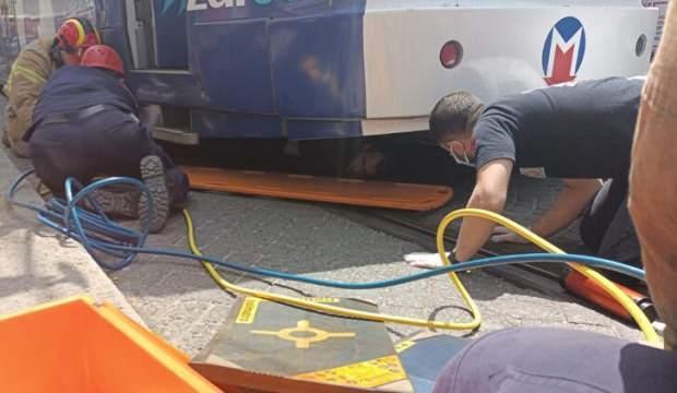 Fatih'te tramvay dehşeti! Vatandaş altında kaldı
