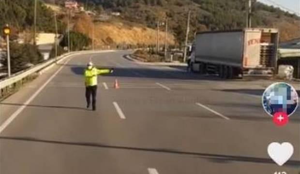 Sosyal medyada canlı yayın yaparken polislere küfür eden tır şoförüne hapis cezası!