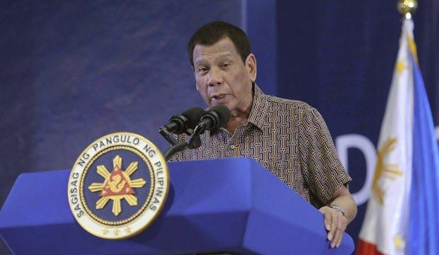 Filipinler Devlet Başkanı Duterte, Kovid-19 aşısının ilk dozunu yaptırdı