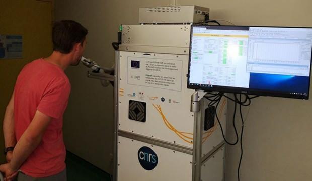 Nefes yolu ile koronavirüs testi yapan cihaz geliştirildi!