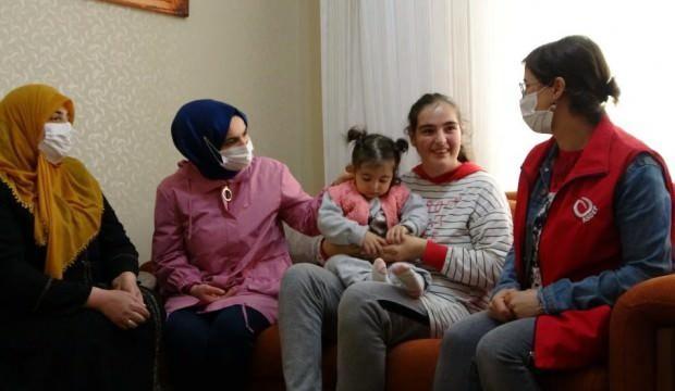 Muş'ta yılın annesi engelli 3 çocuk annesi oldu