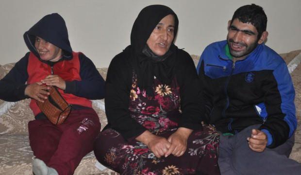 Naciye anne 35 senedir 4 engelli çocuğuna bakıyor