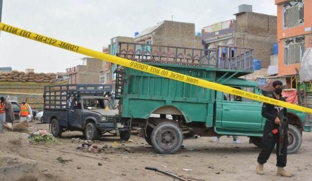 Pakistan'da bombalı saldırı: 2 asker öldü