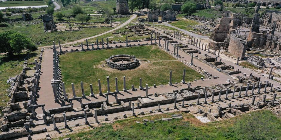 Perge Antik Kenti eski ihtişamına kavuşuyor