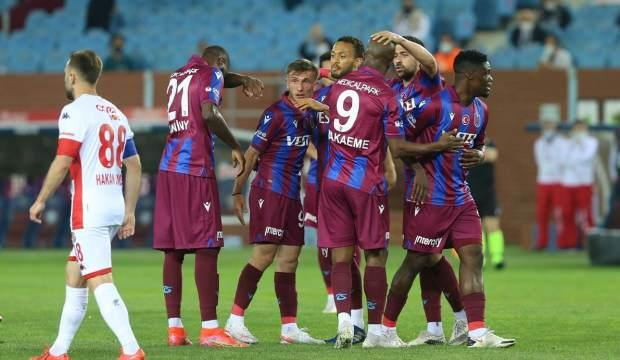 Trabzonspor, Antalya'yı 2 golle geçti!