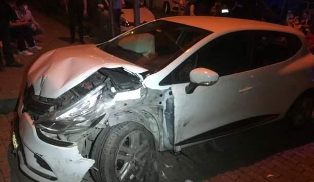 Güngören'de 4 aracın karıştığı kazada 2 kişi yaralandı