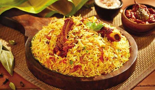 Pakistan'da bayramın vazgeçilmez yemeği: Biryani