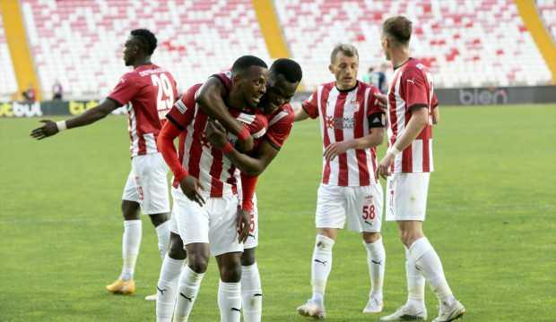 Sivasspor ligi 5. bitirdi!
