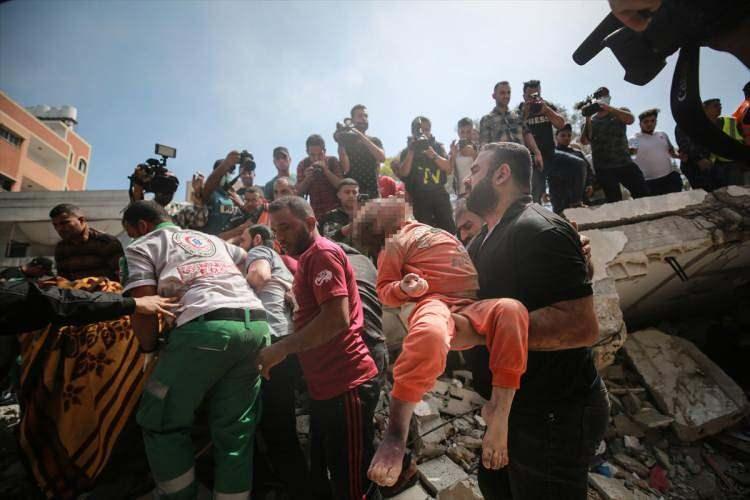 İsrail'in bombardımanında çok sayıda çocuk da şehit oldu.
