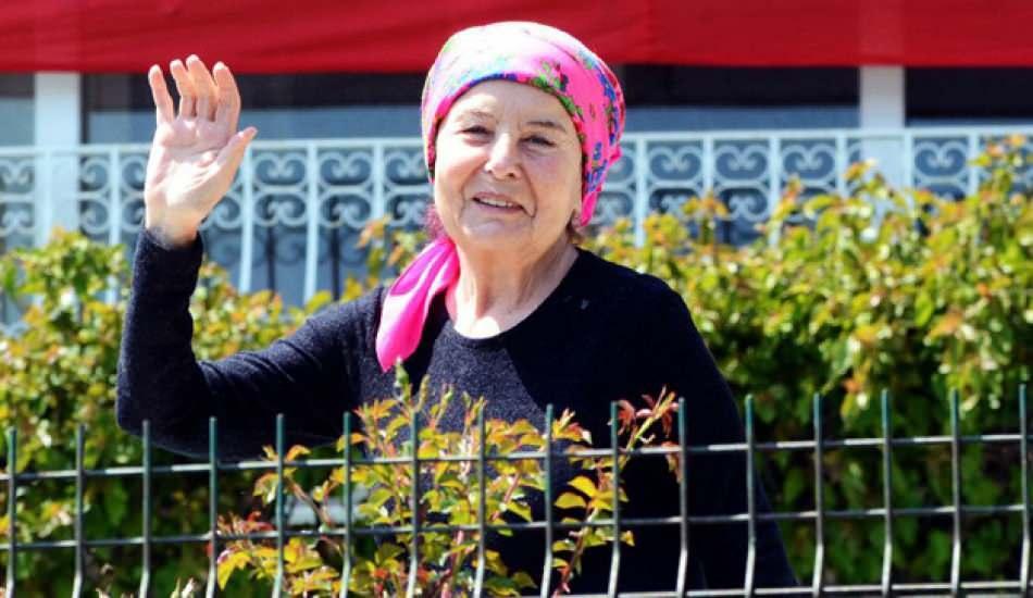Usta sanatçı Fatma Girik dönüyor! İstanbul'a yerleşme..