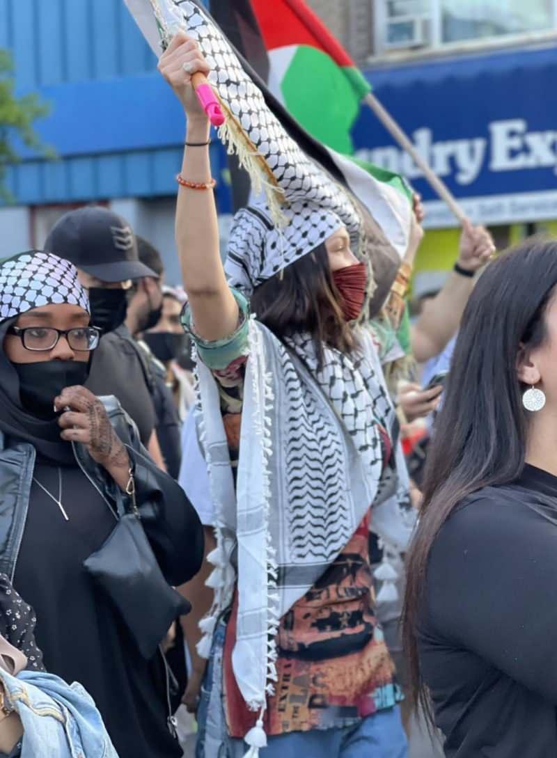 ABD'li model Bella Hadid, Filistin halkı için sokağa çıktı! - DÜNYA  Haberleri