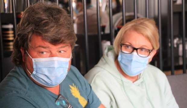 Alman çift Türk doktorların başarısını duydu, ameliyat için Elazığ'a geldi