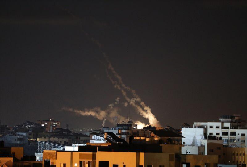 İsrail terörü gece de sürüyor.
