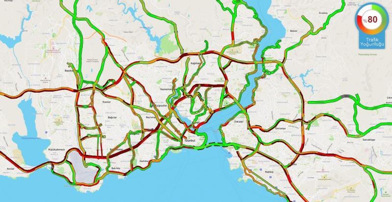 Saat 18.38 itibariyle İstanbul'da trafik yoğunluğu yüzde 80'e ulaştı.