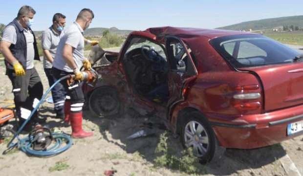 Kütahya'da otomobiller çarpıştı: 1 ölü