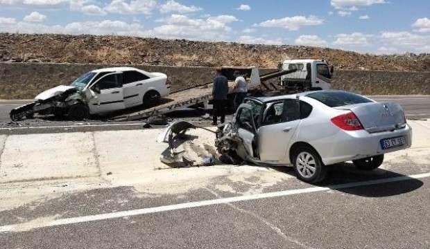 Şanlıurfa'da otomobiller çarpıştı: 8 yaralı