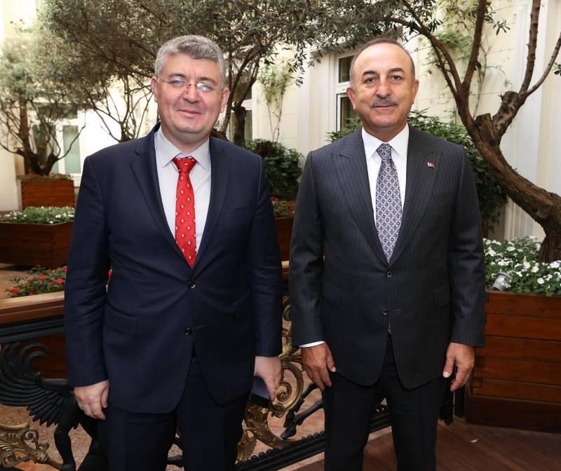 Dışişleri Bakanı Mevlüt Çavuşoğlu ve Kanal7 Ankara Temsilcisi Mehmet Acet