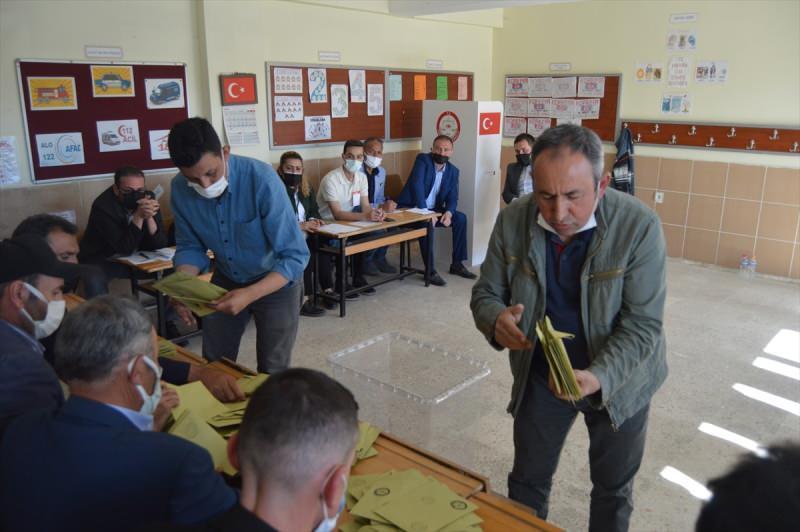 Son dakika: AK Parti, CHP, İYİ Parti, BBP, SP ve Gelecek Partisi yarıştı! Kazanan bakın kim oldu...