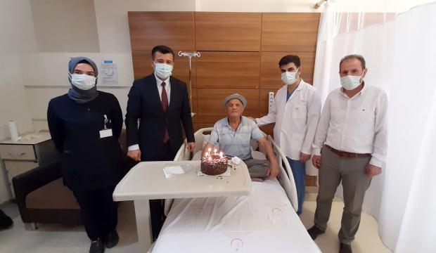 81 yaşındaki Murat dedenin ilk doğum günü