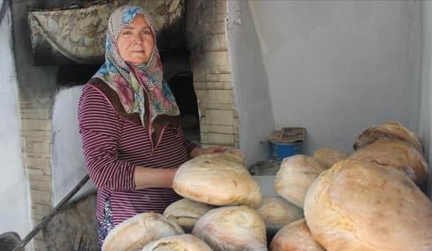 Ailesi için pişirdiği köy ekmekleri kazanç kapısı oldu!