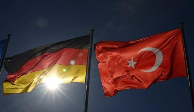 """Almanya'da """"Türkiye'ye silah ambargosu"""" teklifi reddedildi"""