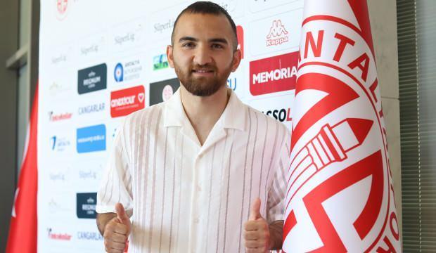 Antalyaspor Erkan Eyibil ile 5 yıllık sözleşme imzaladı
