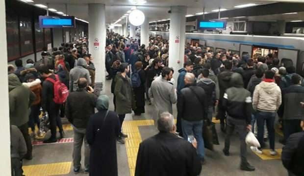 İstanbul'da 2 metroda seferler durdu