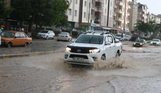 Nevşehir'de sağanak yağmur etkili oldu