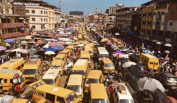 Nijerya'da 2 otobüs çarpıştı: 18 ölü