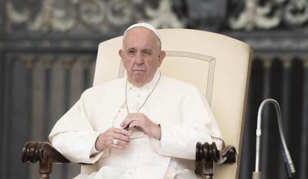 Papa, Alman kardinalin istifasını kabul etmedi