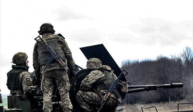 Rusya yanlısı ayrılıkçılar saldırdı, 1 Ukrayna askeri öldü