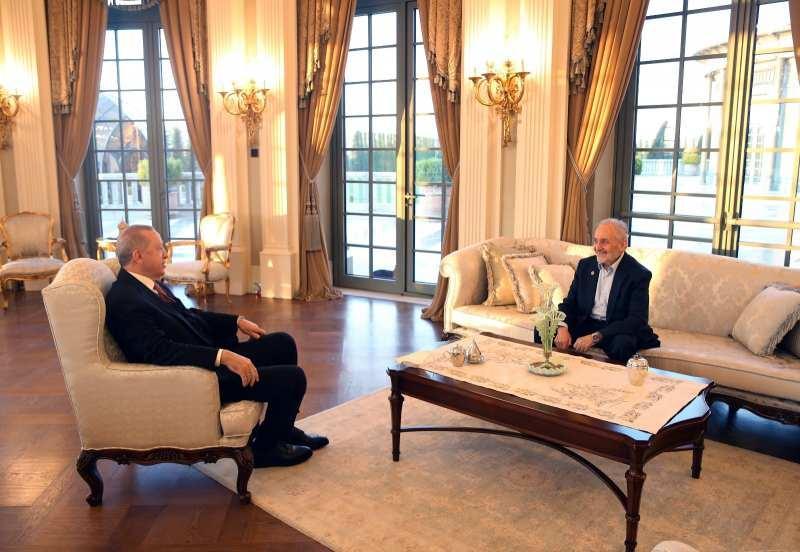 Cumhurbaşkanı Recep Tayyip Erdoğan, Saadet Partisi Yüksek İstişare Kurulu ve Milli Görüş Vakfı Başkanı Oğuzhan Asiltürk ile bir araya gelmişti.