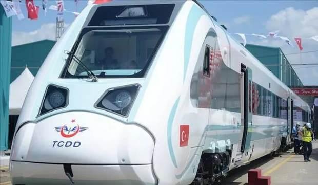 Bakan tarih verdi! Milli elektrikli tren bu yıl hizmete sunuluyor