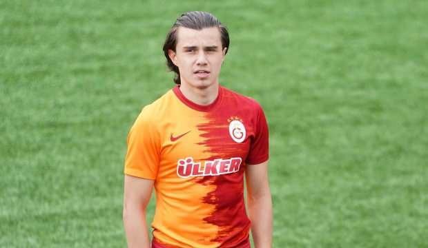 Galatasaray, Sarper Çağlar'la profesyonel sözleşme imzaladı!