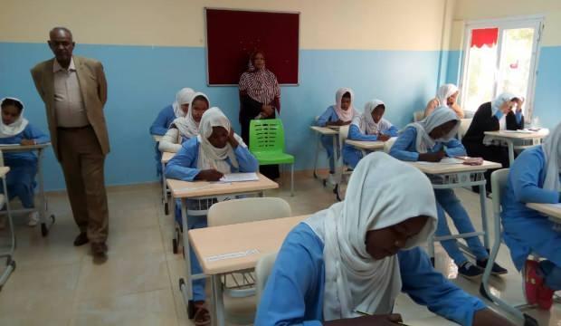 Sudan'da üniversite sınavında kopyaya ilginç önlem: Sabahları internet kesilecek