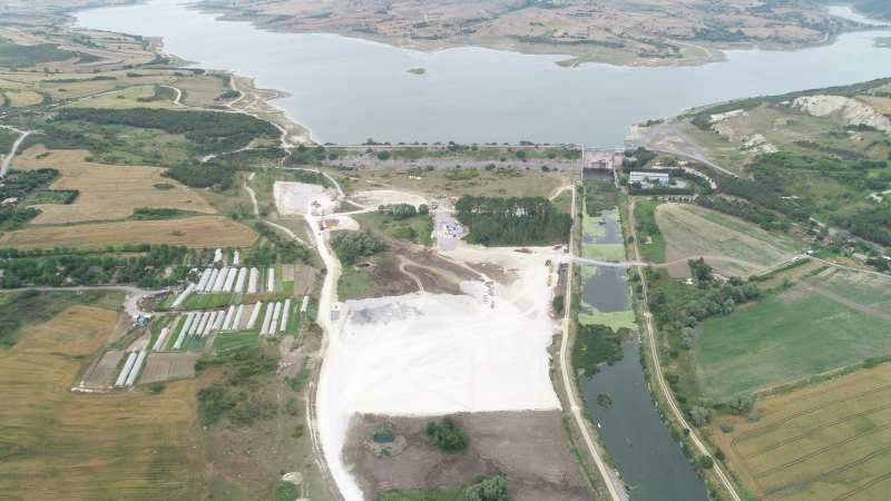 Kanal İstanbul'da ilk köprünün temelinin atılacağı noktada son çalışmalar görüntülendi.