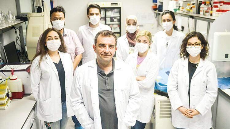 Prof. Dr. Aykut Özdarendeli ve ekibi
