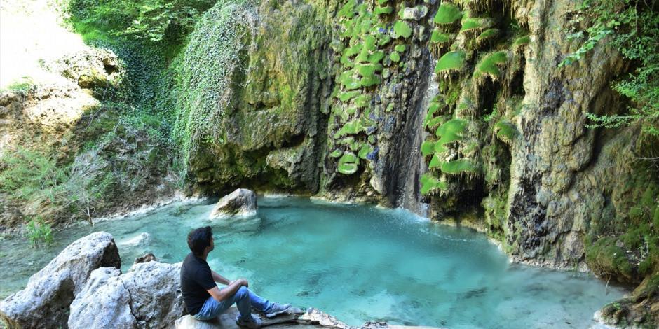 30 metreden dökülen Suuçtu Şelalesi'nin büyüleyici güzelliği