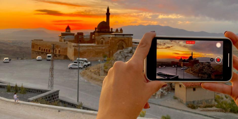 İshak Paşa'da gün batımının getirdiği muhteşem manzara
