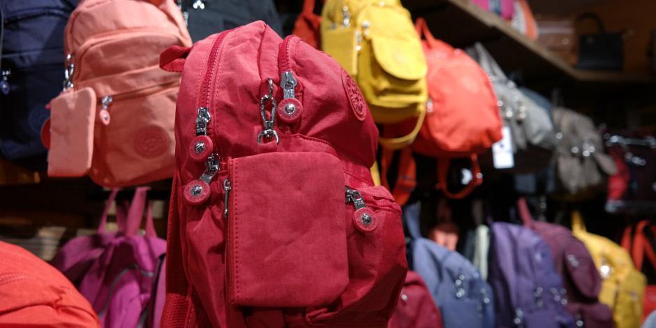 Tatilcilerin yeni trendi; 'Paraşüt kumaşlı çanta'